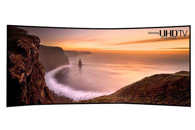 Samsung pokazał 105-calowy, zakrzywiony telewizor UHD