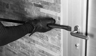 Jak zabezpieczyć mieszkanie podczas nieobecności?