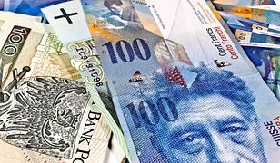 Frankowicze walczący z bankami w sądzie mogą odzyskać od kilkudziesięciu do ponad 100 tys. złotych.