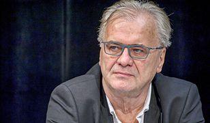 """Reżyser Jacek Bromski przemówił do publiczności po pierwszym pokazie """"Solid Gold""""."""