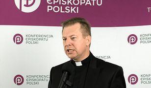 Koronawirus w Polsce. ks. Paweł Rytel-Andrianik; pięć sióstr z KEP zakażonych SARS-CoV-2