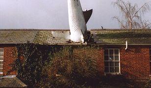 Rzeźba przy 2 New High Street na terenie dzielnicy Headington w Oksfordzie od początku budzi kontrowersje