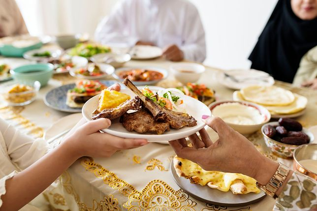 Dieta halal związana jest bezpośrednio z religijnością. Wyznawcy islamu żyją zgodnie z zasadami szariatu. Przepisy diety halal