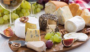 Porady, jak skomponować idealną deskę serów