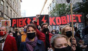 Trybunał Konstytucyjny wydał kontrowersyjny wyrok. Tysiące ludzi wyszły na ulice dużych i małych miast