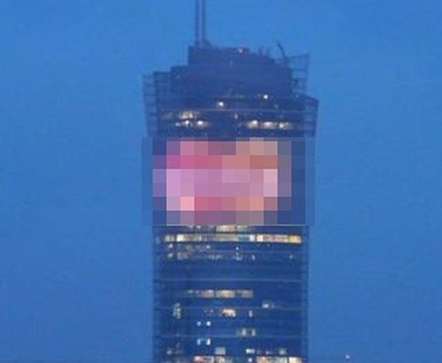 Potężna reklama na nowym wieżowcu. Aktywiści protestują, deweloper się tłumaczy