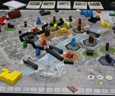 Odbuduj Warszawę na planszówce. Nowa gra o stolicy