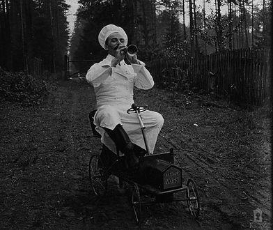 Zdjęcia zrobione przez kucharza Louisa Harouina przywołują do życia księżną Daisy i innych mieszkańców Zamku Książ