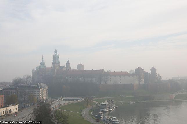 Smog Kraków - 13 grudnia. Słaba jakość powietrza