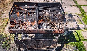 Tanie i proste sposoby na wyczyszczenie grilla