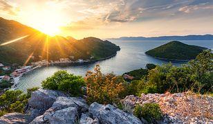 Osoby, które kochają morze i lasy, powinny odwiedzić chorwacką wyspę Mlejt