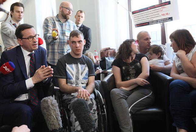 W piątek premier spotkał się z rodzicami osób niepełnosprawnych protestującymi w Sejmie