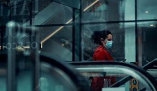Koronawirus w Polsce. Na zakupach trzeba zasłaniać drogi oddechowe. Jednak niekoniecznie maseczką (zdj. ilustracyjne).