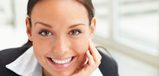 Ładny uśmiech zwiększa szansę na pracę