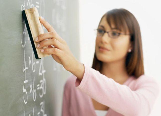 Karta nauczyciela tańsza, choć bez rewolucji