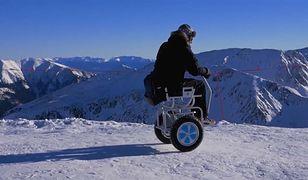 Polak stworzył wózek inwalidzki Blumil, który pozwala na jazdę w terenie