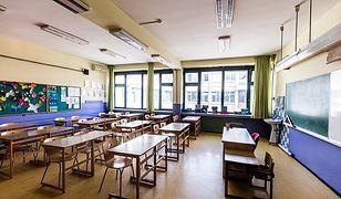 Nauczanie zdalne a powrót do szkół. Resort edukacji wydał dyspozycje