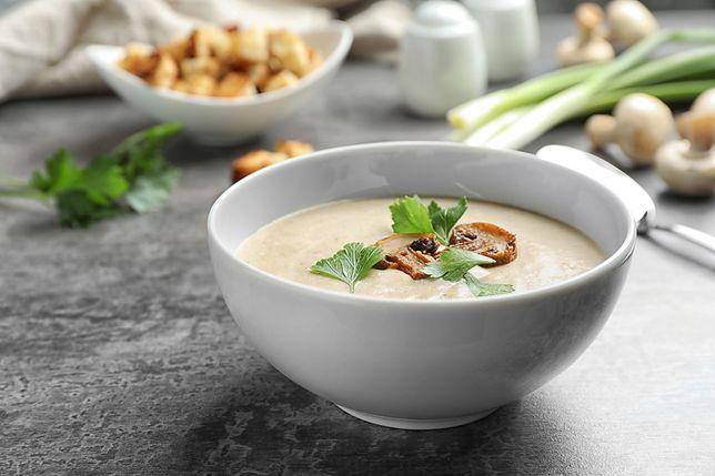 Gęsta i aromatyczna zupa pieczarkowa