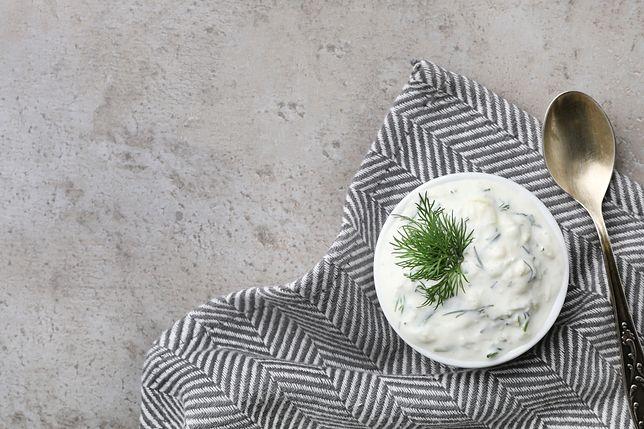 Sos koperkowy to klasyczny polski dodatek do potraw z ryb