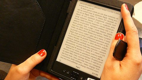 Wypożycz czytnik e-booków w Dolnośląskiej Bibliotece Publicznej