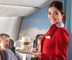 """Stewardessa ostrzega. Nie zakładaj tego do samolotu. """"Grozi zakrzepicą"""""""