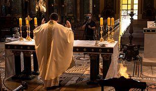 Msze święte w telewizji cieszą się ogromną popularnością. Oglądalność wzrasta