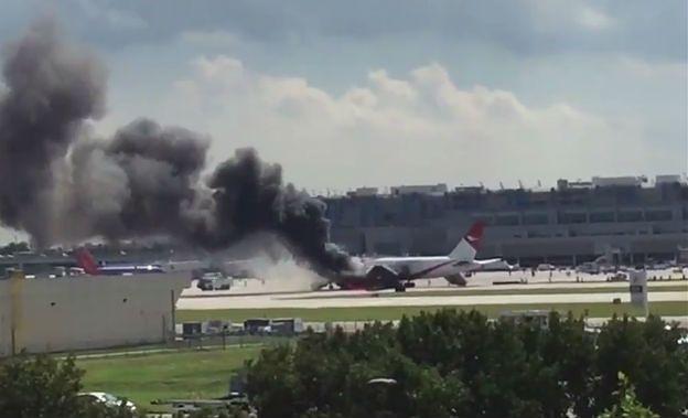 Boeing stanął w płomieniach podczas startu. Są ranni