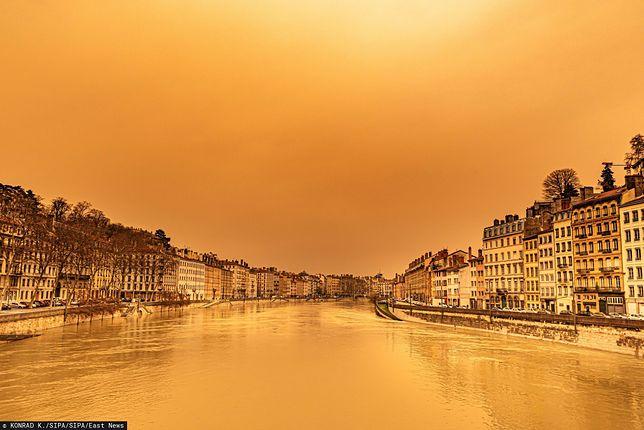 Tak szóstego lutego wyglądał Lyon, po dotarciu do Francji piasku znad Sahary