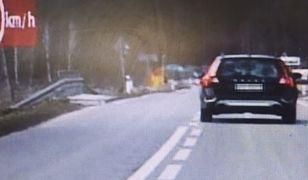 Kierowca pędził, wyprzedzając policjantów