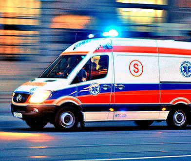 Poważny wypadek w Łodzi. Dwóch robotników wypadło z podnośnika