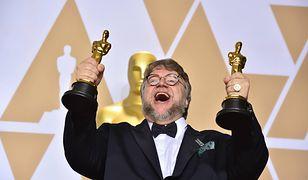 """Reżyser """"Kształtu wody"""" Guillermo del Toro miał okazję do świętowania"""