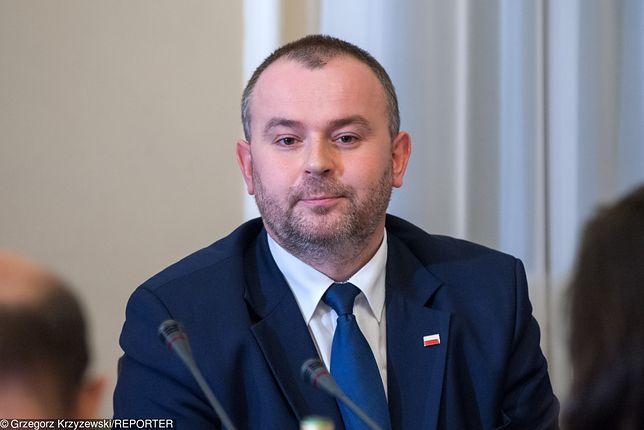 Prezydencki minister Paweł Mucha na polecenie prezydenta dołączył do uczestników komisji sprawiedliwości