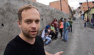 Bartek Czukiewski na ulicy w Caracas