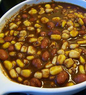 Gulasz z kukurydzy gotowanej na parze
