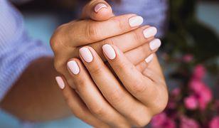 Piękne dłonie to lśniąca skóra i zadbane paznokcie.