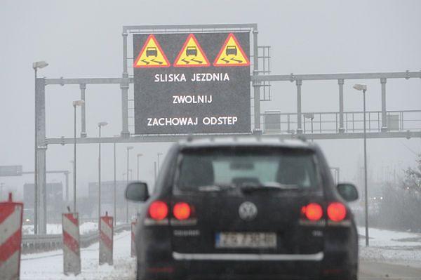 Bardzo trudne warunki drogowe w woj. świętokrzyskim