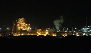 Rafineria w Zatoce Wielka Syrta - w Libii trwa spór o prawo do zysków ze sprzedaży ropy