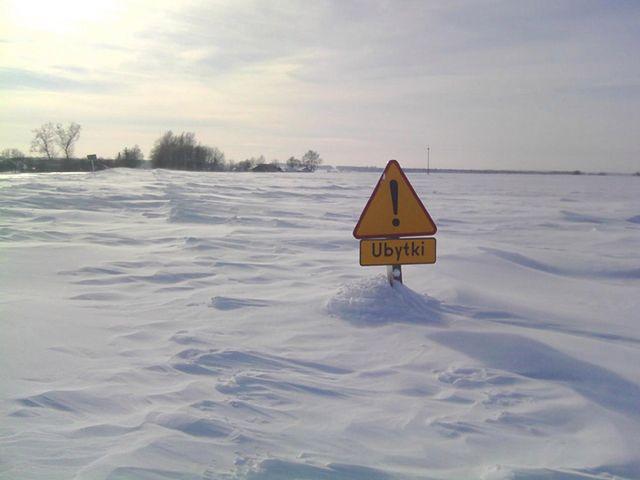 Pogodowy kataklizm. Pługi sobie nie radzą - zobacz