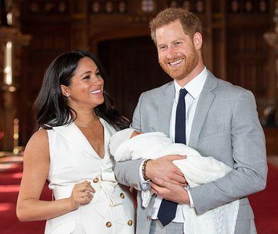Księżna Meghan i książę Harry z synkiem Archiem