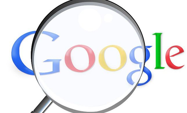 Staruszka wpisała hasło w wyszukiwarce. Zdziwiła tym samego Google'a!