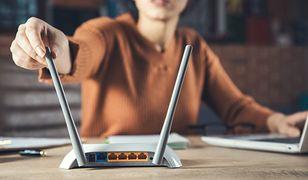 Wzmacniacz WiFi - jak wybrać? Podpowiadamy, na co zwrócić uwagę