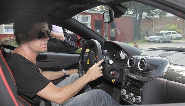Kuba Wojewódzki znany jest ze swojej pasji do szybkich sportowych samochodów