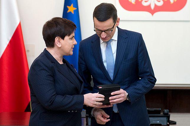 Beata Szydło przyznawała swoim ministrom nagrody, Mateusz Morawiecki zapowiedział, że z tym skończy.