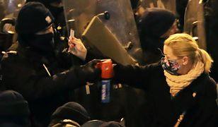 Nowacka spryskana gazem przez policjanta. Jest decyzja prokuratury
