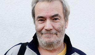 Dziennikarz Krzysztof Leski został zamordowany. Na ostatnim zdjęciu z trudno poznać znaną niegdyś twarz z TVP.