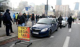 Protest taksówkarzy. Uber dogaduje się z Ministerstwem Cyfryzacji