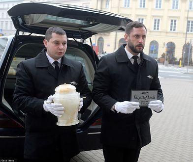 Krzysztof Leski spoczął na Powązkach. Dziennikarza pożegnali bliscy i znajomi