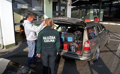 Hrywna leci na głowę mimo interwencji banku Ukrainy. Polskie sklepy przy granicy stracą klientów