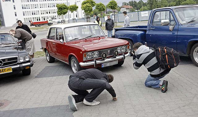 Kupno zabytkowego auta – czy to dobra inwestycja?