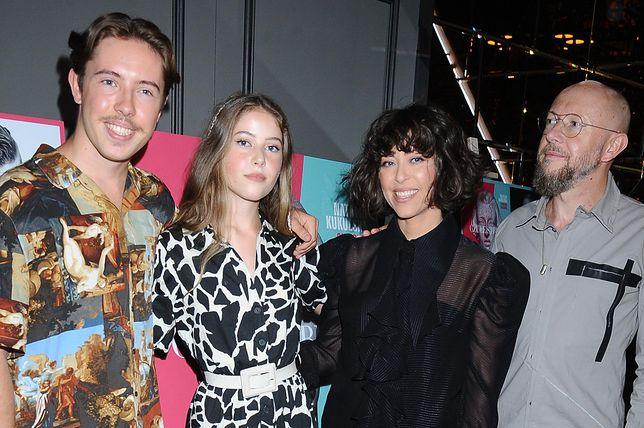 Natalia Kukulska z synem Janem i córką Anną oraz mężem na premierze płyty